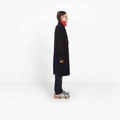 Discover the latest collection of Balenciaga Coats for Men at the official online store.
