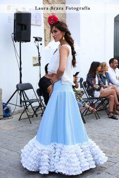 Hechura falda Flamenco Dresses, Flamenco Costume, Spanish Fashion, Fishtail, Twists, Hijab Fashion, Nice Dresses, Flora, Mermaid