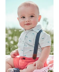 Dress up him up to charm in this totally adorable shirt, shorts and suspender set from Carter's. 6 Month Baby Picture Ideas Boy, Baby Boy Pictures, Newborn Pictures, Baby Photos, Toddler Boy Photography, Newborn Baby Photography, Outdoor Baby Photography, Children Photography, Suspenders For Boys