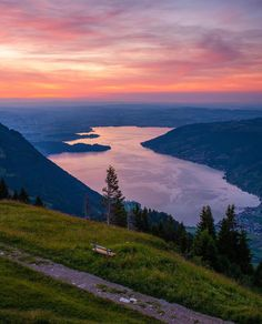 Planning a trip to Switzerland soon? Check out this list of the 10 best hikes you don't want to miss while you're here. Trekking, Switzerland Wallpaper, Places In Switzerland, Lucerne Switzerland, Travel Trailer Living, Places To Travel, Places To Visit, Sunset Wallpaper, Best Sunset