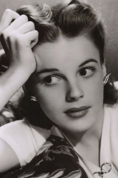 Judy Garland, 1940's, just gorgeous!  It is a shame that she was so mixed up and gave in to alcohol and died so young.
