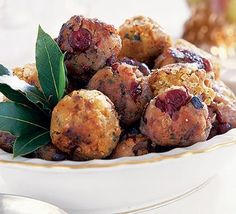 These stuffing balls are perfect for a Thanksgiving appetizer, dinner parties, pot lucks and holiday parties. If you are looking for an alternative to tradition stuffing recipes, try this easy and delicious variation. These stuffing balls can be. Thanksgiving Appetizers, Thanksgiving Recipes, Holiday Recipes, Thanksgiving Leftovers, Thanksgiving Stuffing, Christmas Recipes, Christmas Lunch, Christmas Stuffing, Christmas Dinners