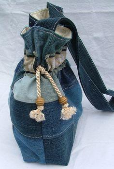 Verkauf Denim Patchwork Tasche Shopper von poppypatchwork auf Etsy Shopper, Alte Jeans, Patchwork, Verkauf, Taschen, Farbenfrohe Kleidung, Jeans, Etsy, Upcycling