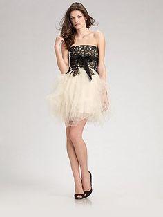 Google képkeresési találat: http://www.fashioncocktaildress.info/wp-content/uploads/2011/12/cocktail-dress.jpg
