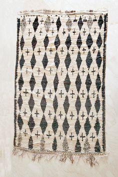 A Little STAR DUST CAUGHT 8'x5' Boucherouite Rug. Tapis Moroccan. Teppich Berber. Mid Century Modern Danish Design Compliment.