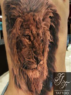 #tattoocampania #tatuaggibiancoenero #migliore #tattoosculpture #londonart #londontattoo #tattoonaples #napolitattoo #londonartist #londonink #bestink #londontattooartist #liontattoo #tattoolion #tattooleone #lion #leone #animale #animal #tattooanimal #animaltattoo #amazingtattoo #crazytattoo #wonderfultattoo #strongtattoo #besttattoo #conventiontattoo #longtattoo #milantattoo