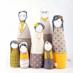 Family portrait art dolls - Timor Cohen