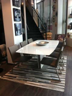 BoConcept Milano expanding dining table with Mariposa Deluxe