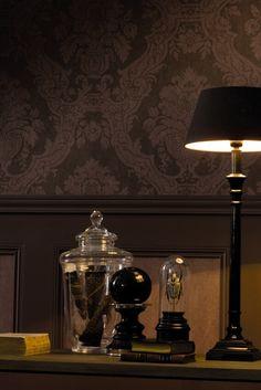 Warm en klassiek interieur met dit behang in bruintinten.
