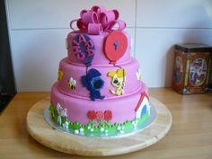 Woezel en Pip taart_september 2011 Amber, Om, September, Birthday Cake, Cupcakes, Sweet, Party, Desserts, Birthday Cakes