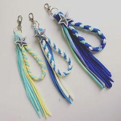 ズパゲッティで作る小物15選!編み方・作り方を【動画】で!タッセルやターバンなど | YOTSUBA[よつば] Creative Kids, Creative Crafts, Diy And Crafts, Arts And Crafts, Paper Crafts, Bead Embroidery Jewelry, Beaded Embroidery, Diy Keychain, T Shirt Yarn