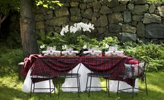 for my scottish wedding... tartan covered tables