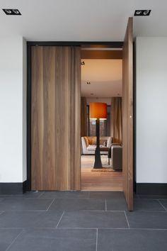 La Ligne - double wood veneer doors by Marcel Wolterinck for Bod'or