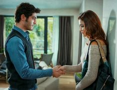Cute Love Stories, Love Story, Couples Images, Cute Couples, Hayat And Murat, Hande Ercel, Turkish Beauty, Stylish Girl Images, Love Couple