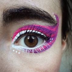Eyeliner like the Cheshire Cat? Yes, please!