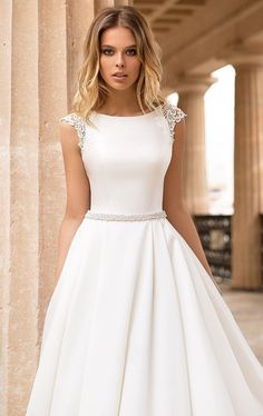 The classic A line gown is among the bridal gown. Of all the bridal gown on the marketplace today A line wedding dresses are the very best. Western Wedding Dresses, Princess Wedding Dresses, Modest Wedding Dresses, Bridal Dresses, Wedding Gowns, Lace Wedding, Formal Dresses, Maxi Dresses, Mermaid Wedding