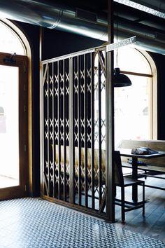 1900: Terrades Grafito 20x20cm  | Porcelain Tiles and Wall Tiles | VIVES Azulejos y Gres S.A. #restaurant #tile #restaurant
