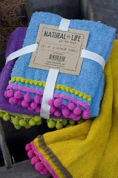 Cute pom pom fringe towels / I want to add fringe to my towels LOVE it