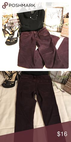 """Just Black"" Buckle Brand Skinny Jeans💜 Super comfortable skinny jeans that can be dressed up or down.  In excellent condition, bought from the Buckle.  Dark burgundy color 29"" inseam Buckle Jeans Skinny"