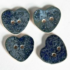 i heart buttons!!!! ceramic heart shaped buttons, sweet and probably easy to make