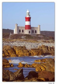 Lighthouse in Cape Agulhas, South Africa Jacob Zuma, Le Cap, Out Of Africa, Windmill, Cape Town, South Africa, Kenya, Beautiful Places, Scenery