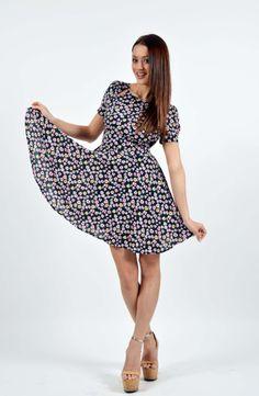 Flower Print Φόρεμα Boutique Stores, Flower Prints, Casual, Dresses, Fashion, Vestidos, Moda, Floral Patterns, Fashion Styles