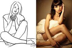 В следующей позе модель сидит на диване или кровати. Если дать девушке чашку кофе, то можно получить тематический снимок (например, девушка замерзла, а теперь отдыхает и греется).