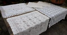 Online veilinghuis Catawiki: Lot consisting of 3 large doilies and 2 pillowcases - all crocheted