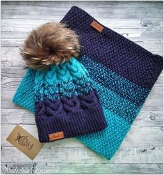 Such a beautiful color combo on this toque and cowl set. Knit Beanie Pattern, Crochet Beanie, Knitted Hats, Knit Crochet, Crochet Hats, Knitting Patterns, Crochet Patterns, Crochet For Kids, Yarn Crafts
