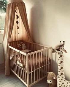 Baby Boy Nursery Room İdeas 16395986132744112 - Source by madamezaza Baby Room Boy, Baby Bedroom, Nursery Room, Girl Room, Kids Bedroom, Girl Nursery, Baby Room Themes, Baby Room Decor, Baby Room Neutral