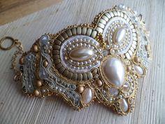 Beaded bracelet using soutache.