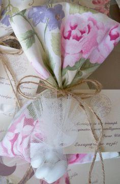 #μπομπονιερες γαμου πουγκι floral με καρτελακι