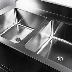 Professional Kitchen, Sink, Kitchen Appliances, Instagram Posts, Home Decor, Diy Kitchen Appliances, Homemade Home Decor, Vessel Sink, Home Appliances