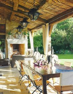 the Polished Pebble: Dining Al Fresco