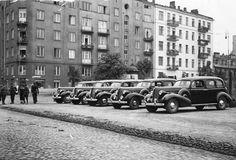 11-go Listopada róg Inżynierskiej.  fot. 1939r., źr. Narodowe Archiwum Cyfrowe. Old Photographs, Old Photos, My Heritage, Warsaw, Nostalgia, The Past, Old Things, Street View, Europe