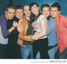Awww!! The Lord of the Rings cast. From L-R: Merry, Sam, Pippin, Arwen, Frodo, and Legolas ;-)