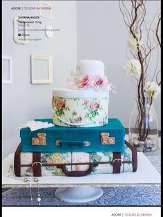 Vintage map/travel wedding cake - Cake by The Sweetest Thing