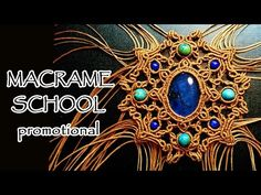 How to make a macrame pendant with a Gemstone and Beads ラーメンどんぶり Petra Rinsche Macrame Colar, Macrame Art, Macrame Projects, Macrame Necklace, Macrame Knots, Macrame Bracelets, Horseshoe Necklace, Loom Bracelets, Micro Macrame Tutorial