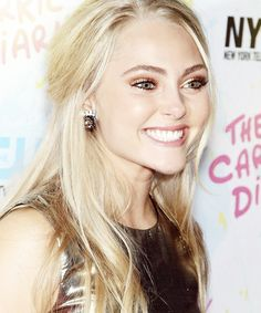 AnnaSophia Robb. A beautiful girl has grown into a gorgeous woman.