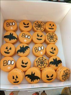 Halloween Desserts, Halloween Macaroons, Halloween Chocolate, Halloween Food For Party, Halloween Cupcakes, Halloween Candy, Christmas Desserts, Cakepops, Homemade Macarons