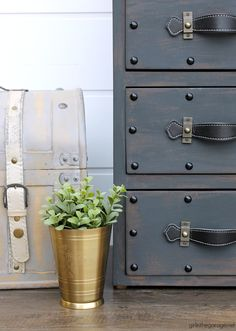 Create an antique steamer trunk with Chalk Paint and decorative accessories - this painted trunk nightstand is stunning industrial decor. By Girl in the Garage Diy Furniture Tutorials, Furniture Makeover, Refinished Furniture, Distressed Furniture, Small Nightstand, Painted Furniture For Sale, Painted Night Stands, Painted Trunk, Transforming Furniture