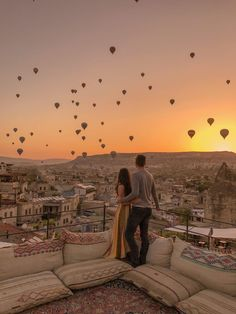 16 Unforgettable Places We Traveled To This Year Add these to your 2019 bucket list. Travel Images, Travel Pictures, Travel Photos, Romantic Places, Beautiful Places To Travel, Romantic Travel, Vacation Places, Dream Vacations, Dream Trips