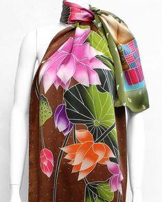 Silk scarf with lotus flowers. #dreamluxe #wearableart#bandana #silkart #silk #square#scarf #accessory #accessories #seda#silkscarf #silkbandana #silksquare#fashion#style #spring #summer #ss18 #collection#losangeles #lafashion #dtla#myowncreation #myowndesign#silkpainting #silkchiffon#arttowear#silkart #handpainted