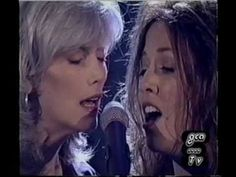 Sheryl Crow & Emmylou Harris (Live) : Pale Blue Eyes From 1997 - Lou Reed song.