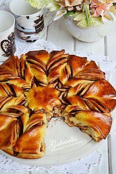 Gabriella kalandjai a konyhában :) Ring Cake, Fall Recipes, Scones, Meat, Chicken, Desserts, Fall Food, Easter, Postres