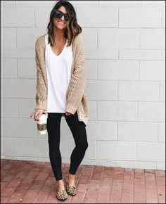 winter outfits with leggings 51 cute and comfortab - winteroutfits Legging Outfits, Leggings Fashion, Fashion Mode, Look Fashion, Autumn Fashion, Fashion Trends, Fashion Clothes, Feminine Fashion, Fashion Ideas