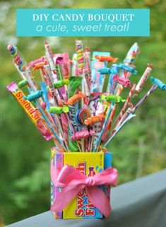 From printable candy grams to candy bouquets here are The 11 Best Candy Gram Ideas we could find! Lollipop Bouquet, Candy Bouquet Diy, Diy Bouquet, Candy Arrangements, Candy Centerpieces, Centerpiece Ideas, Christmas Centerpieces, Wedding Centerpieces, Cute Candy