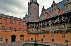 Olesnica Castle - Poland / Oleśnica zamek książąt oleśnickich z 1322r.