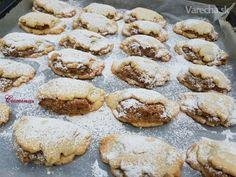 Krehké orechové koláčiky (fotorecept) - recept | Varecha.sk Treats, Cookies, Sweet, Desserts, Food, Basket, Sweet Like Candy, Crack Crackers, Candy