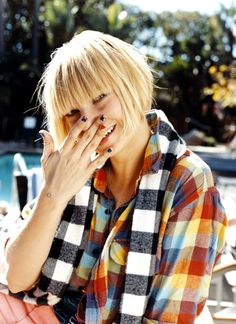 Sia - no one on this earth sings as beautifully as she does.